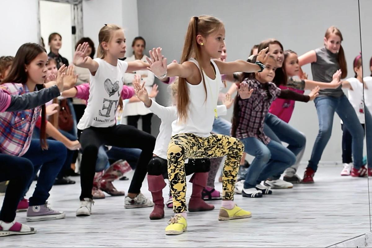 Отдать ребенка на детские танцы — безупречный выбор